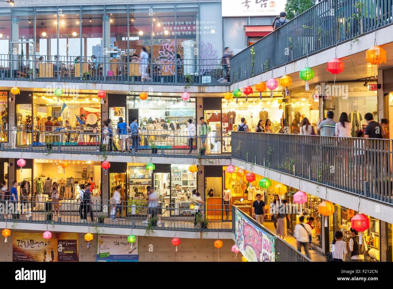 South Korea, Seoul, Jongno-gu, Insadong neighborhood, Ssamziegil mall opened in 2004 Stock Photo
