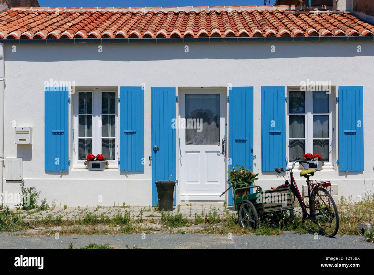 France, Charente Maritime, Ile d'Aix, labeled stone and water villages, house - Stock Image