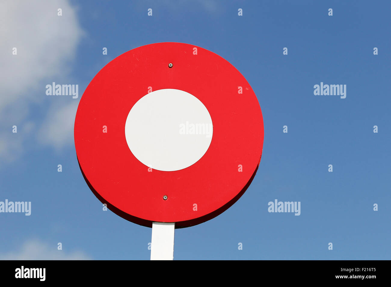 Sport, Equestiran, Horse Racing, Red and White finish line post. - Stock Image