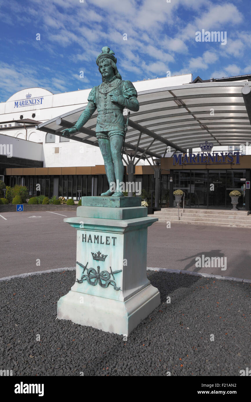 Hamlet statue in front of the Marienlyst Hotel. In bronze on a pedestal of white marble,  executed by sculptor Nielsine - Stock Image