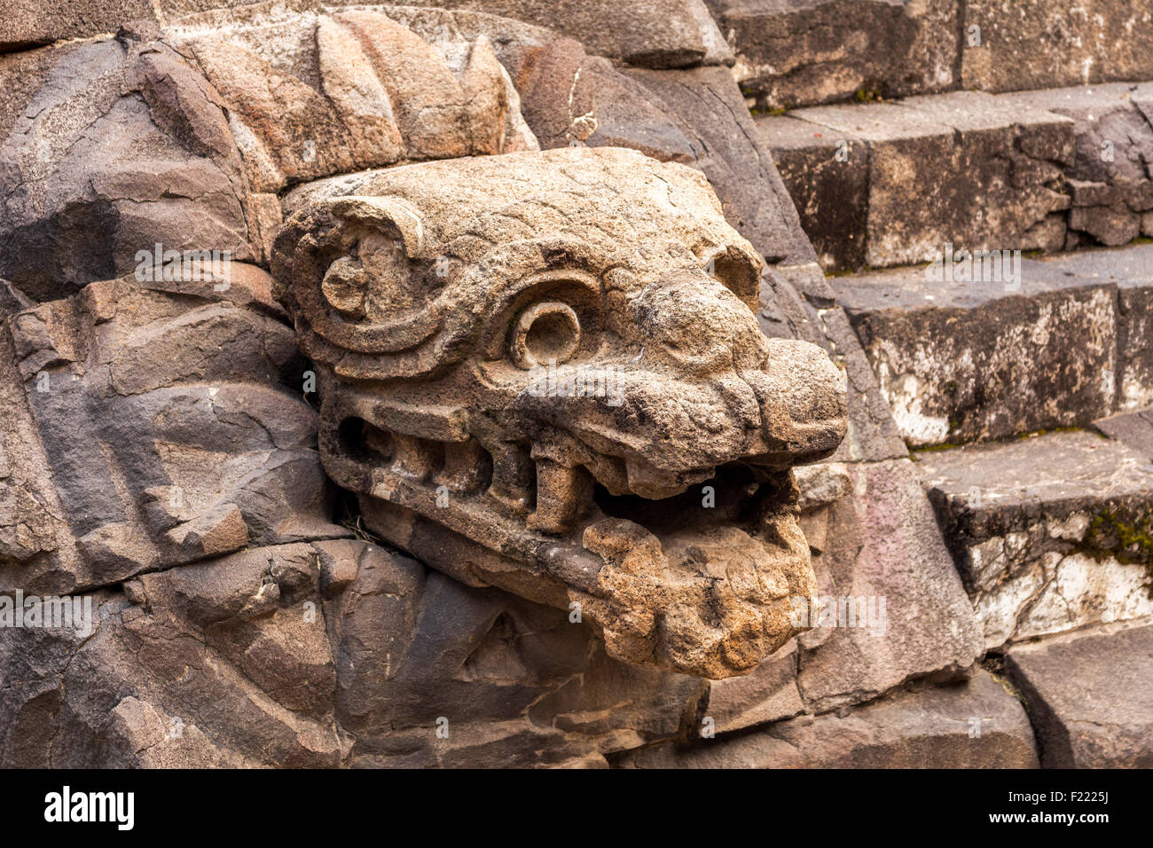 Templo de la serpiente emplumada Teotihuacan archaeological site Unesco World Heritage Site Mexico North America Stock Photo
