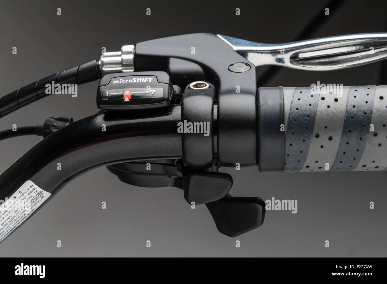 Ezee Sprint electric bike. Gear selector on handlebars - Stock Image