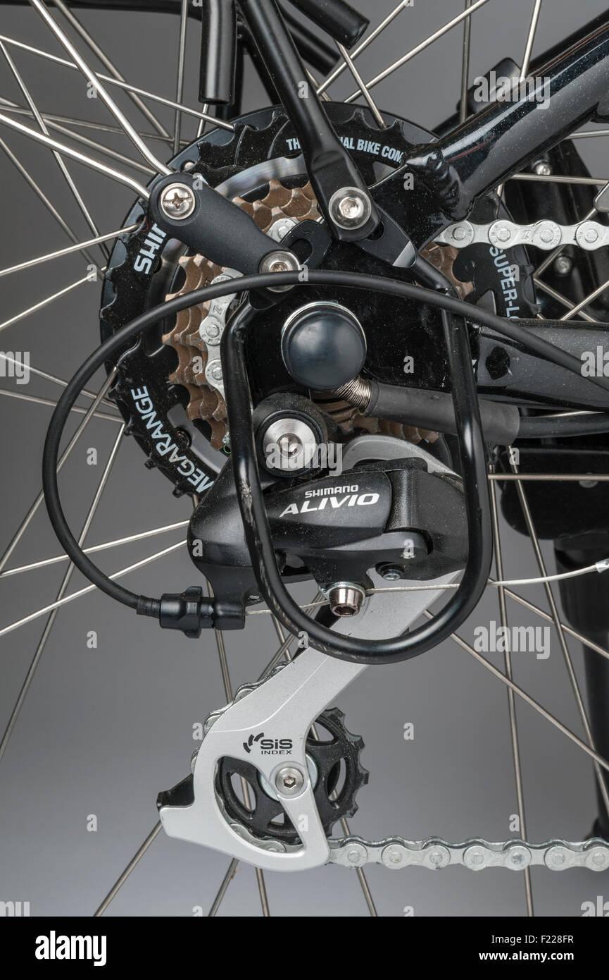 Wisper electric bike. Rear hub assembly fitted with a Shimano Megarange 7 speed freewheel - Stock Image