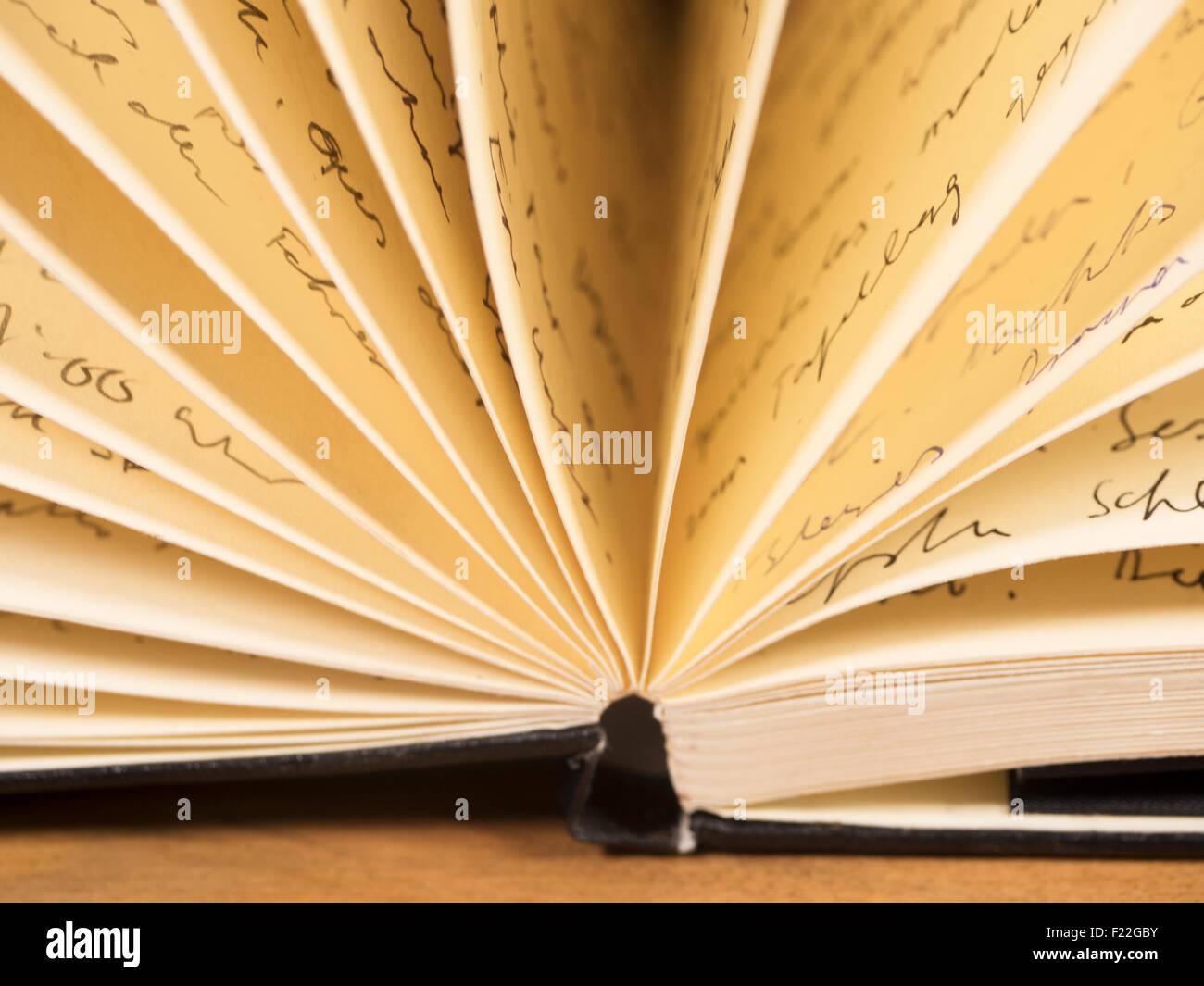 aufgeblättertes Notizbuch - Stock Image