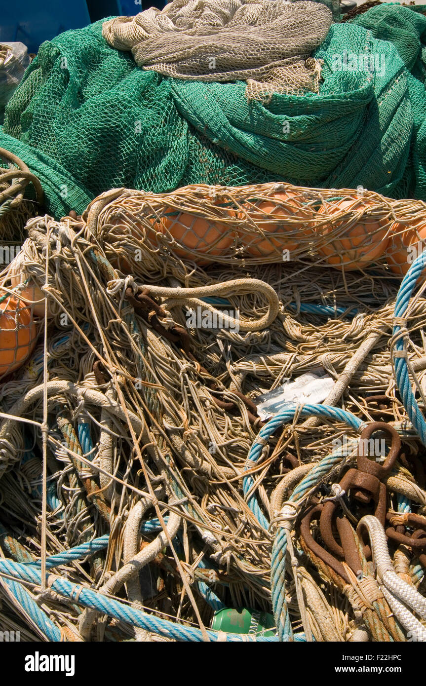 fishing net nets trwaler eu quota systems quotas empty drying catch catching catches falling stock stocks fish - Stock Image