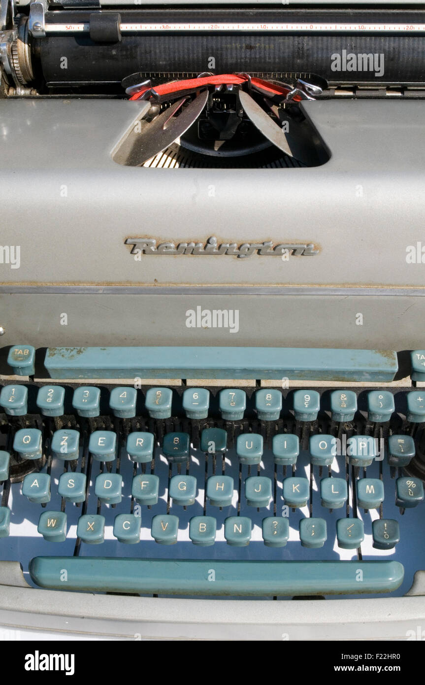 typewriter writer typing typist repetitive strain injury carpal tunnel syndrome work related injuries keyboard keyboard - Stock Image