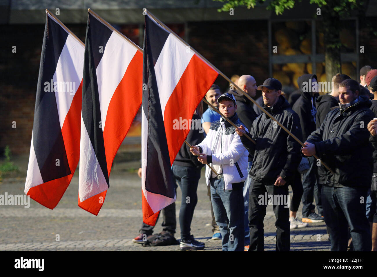 Supporters of the german far right neo-nazi party DIE RECHTE (the rights) waving the flag of the German Empire (Deutsches - Stock Image