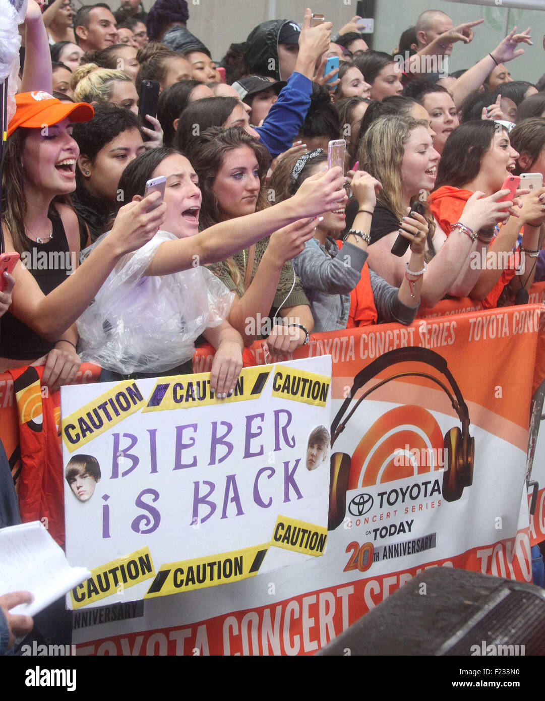 New York, New York, USA. 10th Sep, 2015. Fans attends JUSTIN BIEBER concert on the 'Today' show where it - Stock Image