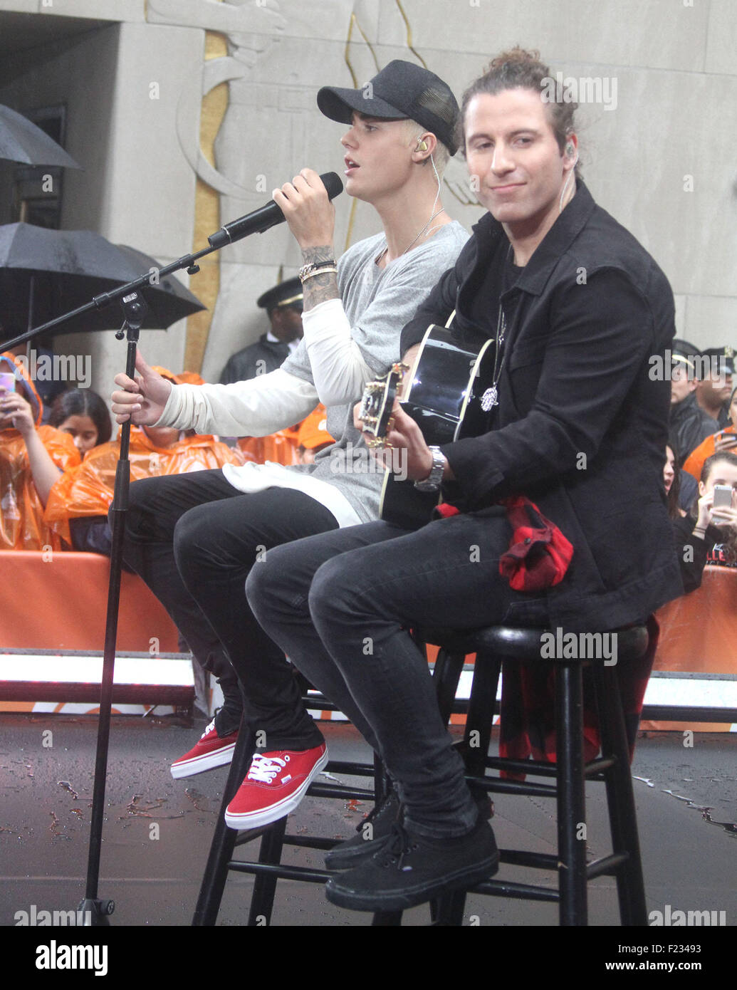 New York, New York, USA. 10th Sep, 2015. JUSTIN BIEBER performs on the 'Today' show where it mostly rained during Stock Photo