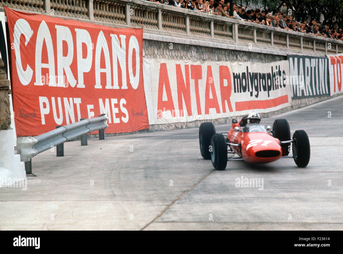 No.21 John Surtees Ferrari 158 V8 at Tabac corner, Monaco GP 10 May 1964 - Stock Image