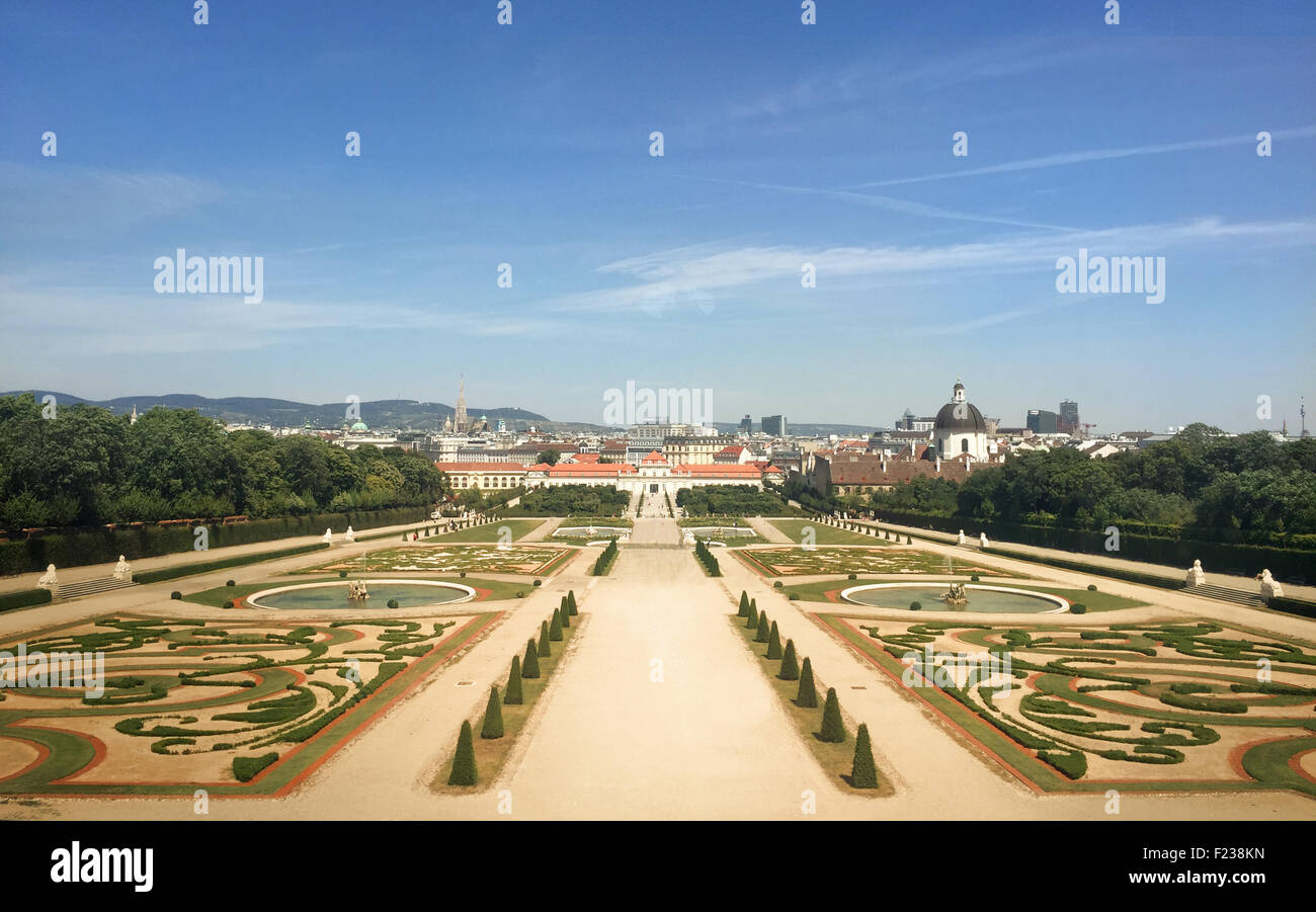 WIEN - JULY 31: View of Schoenbrunn Sissi Castle. Since 1996 the palace and the garden have been declared World - Stock Image