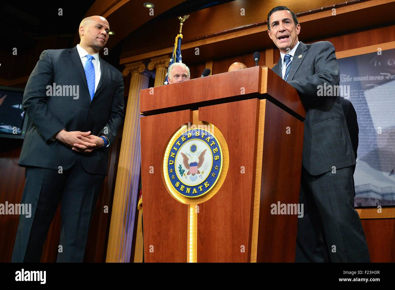 Washington DC, USA. 10th September, 2015. U.S. Congressmen Rep. Darrell Issa joins a bipartisan group of legislators - Stock Image