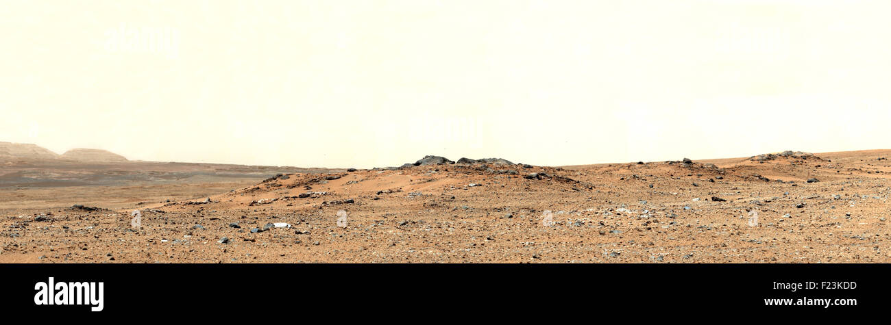 Martian landscape. Curiosity Sol 343 Vista With 'Twin Cairns' on Route to Mount Sharp. Curiosity Rover 2013. - Stock Image