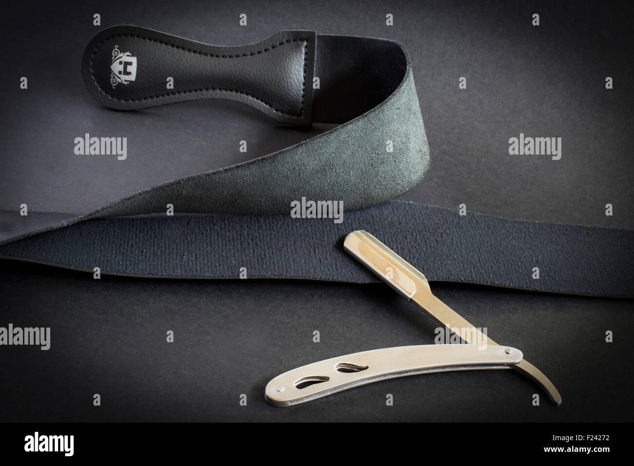 sharpen razor - Stock Image