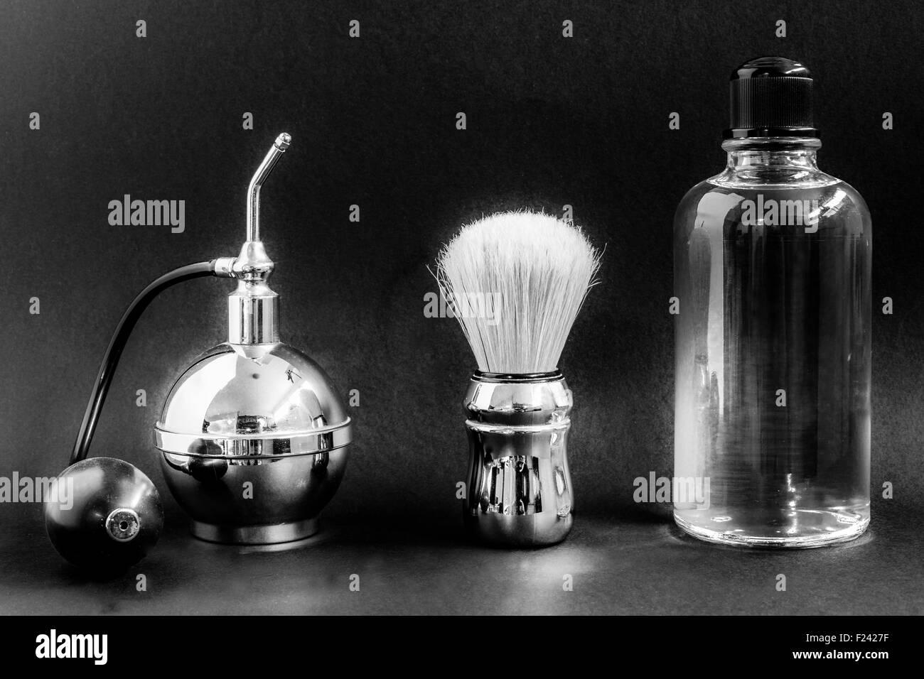 vaporizer sahving brush perfume - Stock Image