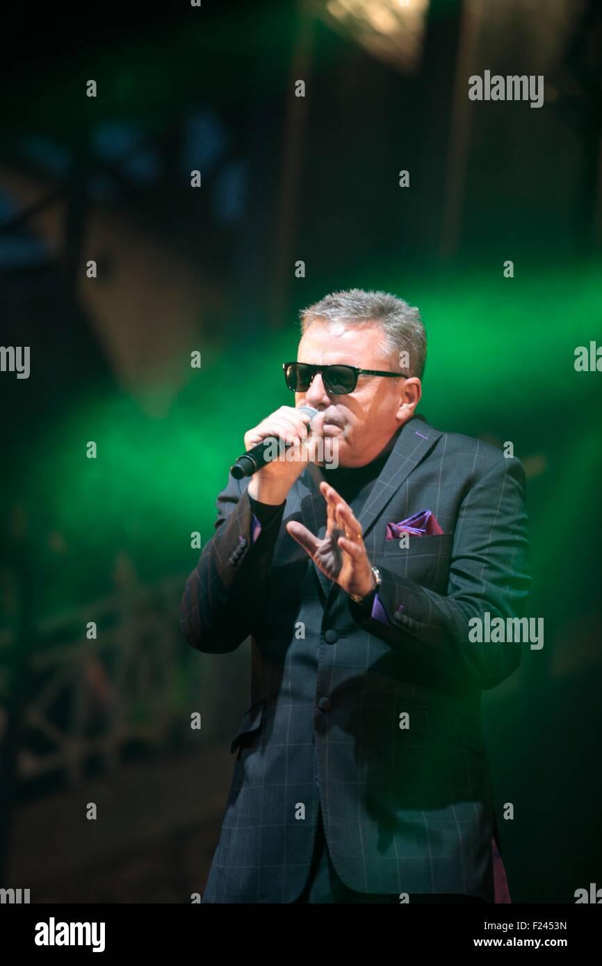 Madness lead singer Graham Suggs McPherson - Stock Image