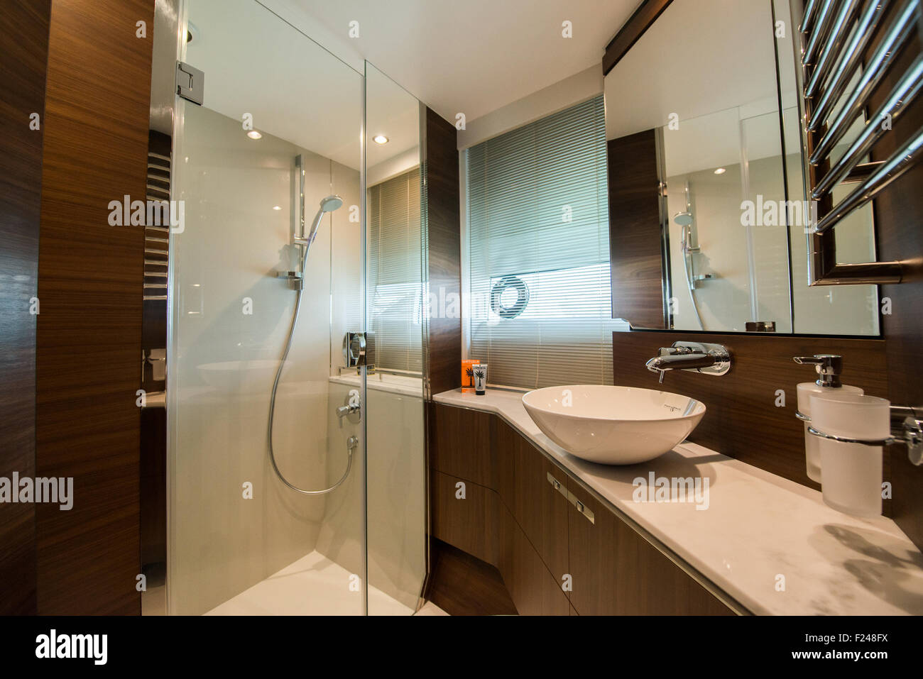 Southampton, UK. 11th September 2015. Southampton Boat Show 2015. Interior bathroom of the Princess S65 world launched Stock Photo