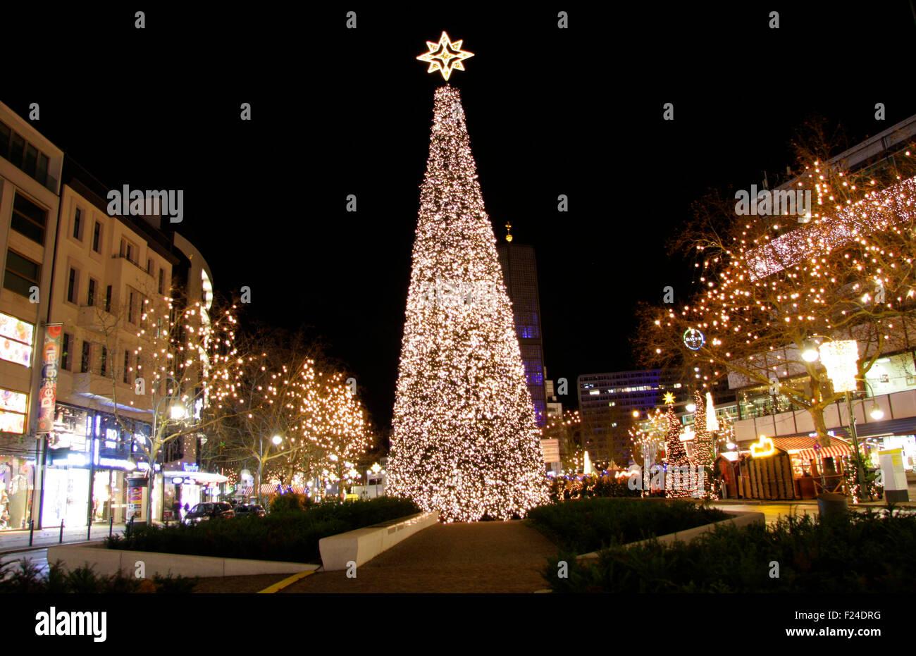weihnachten in berlin weihnachtsbaum auf dem. Black Bedroom Furniture Sets. Home Design Ideas