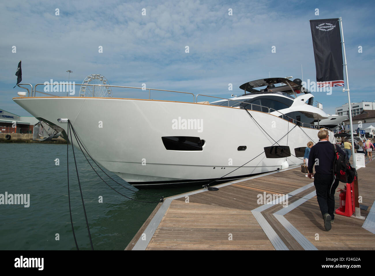 Southampton, UK. 11th September 2015. Southampton Boat Show 2015. The bow view of a Sunseeker 28 meter yacht. Credit: Stock Photo