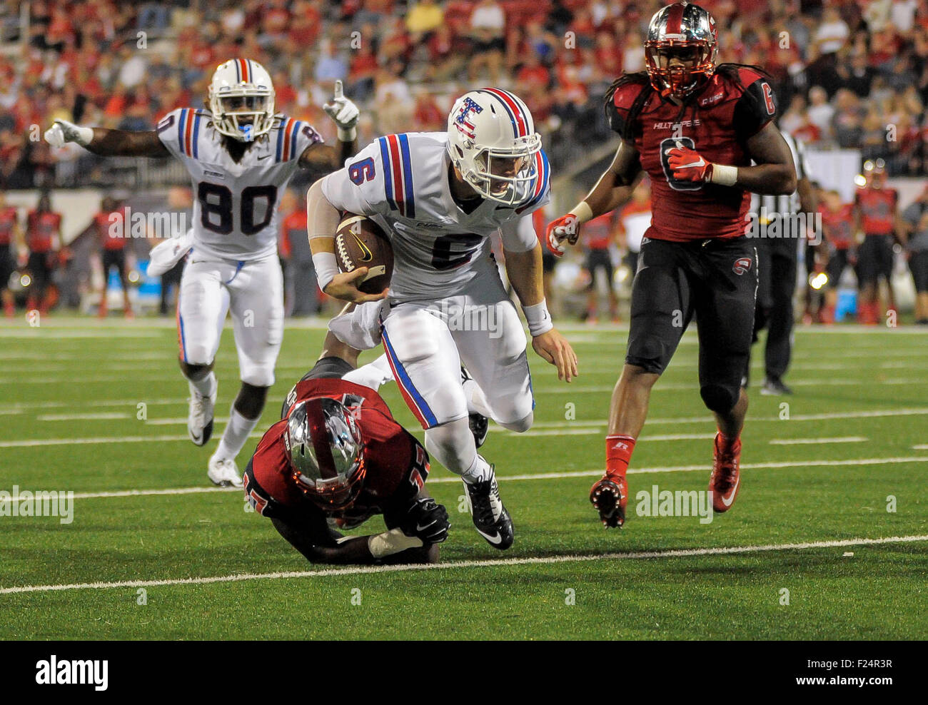 b1cb4f2a83 ... stumbles short of the goal line during NCAA college football action  between the Louisiana Tech Bulldogs and the Western Kentucky Hilltoppers  Toppers at ...