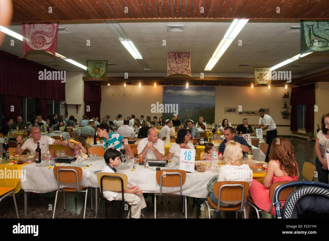Passover Seder at Kibbutz Ashdot Yaacov, Israel - Stock Image