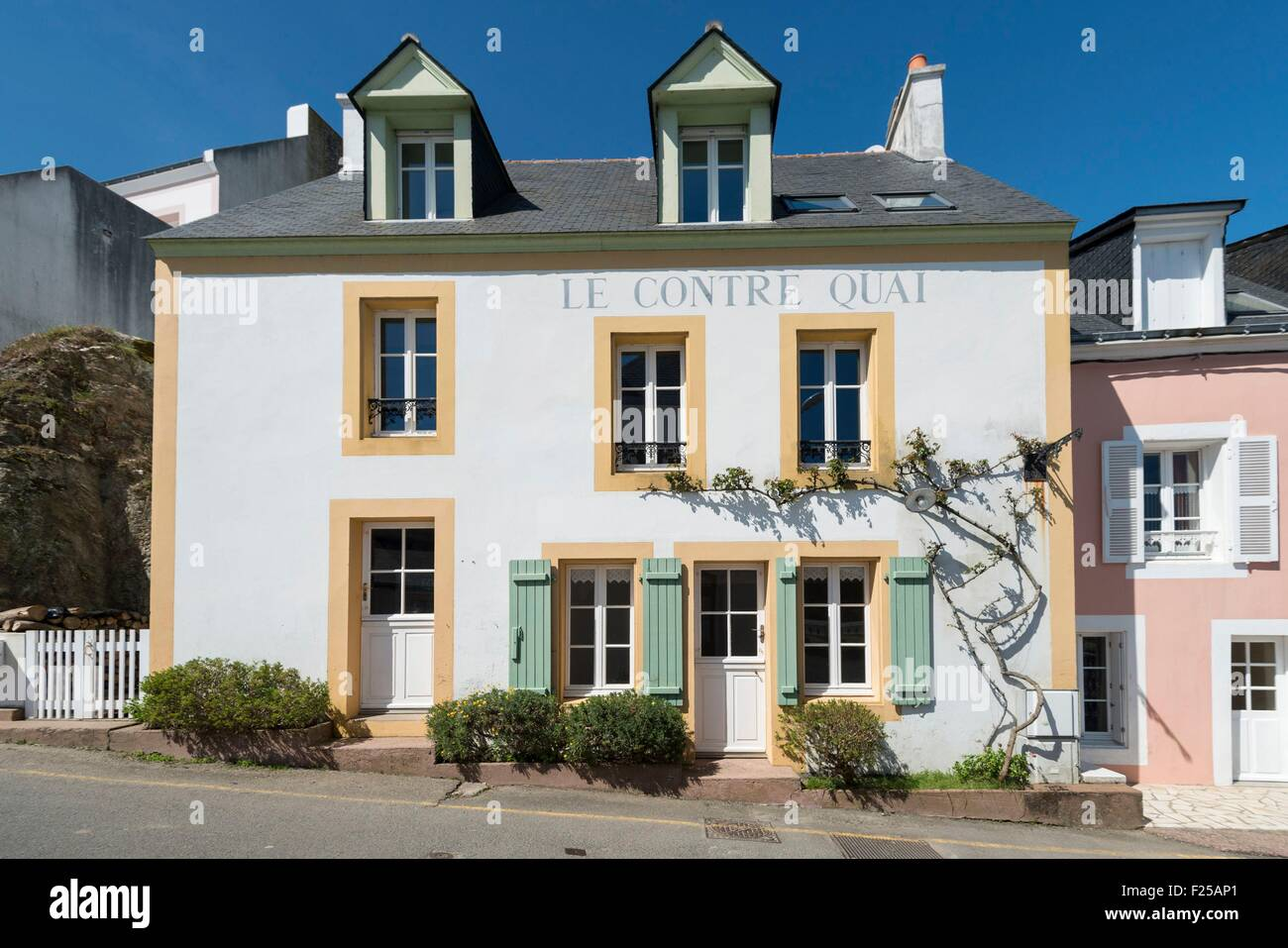 France, Morbihan, Sauzon, colored house - Stock Image