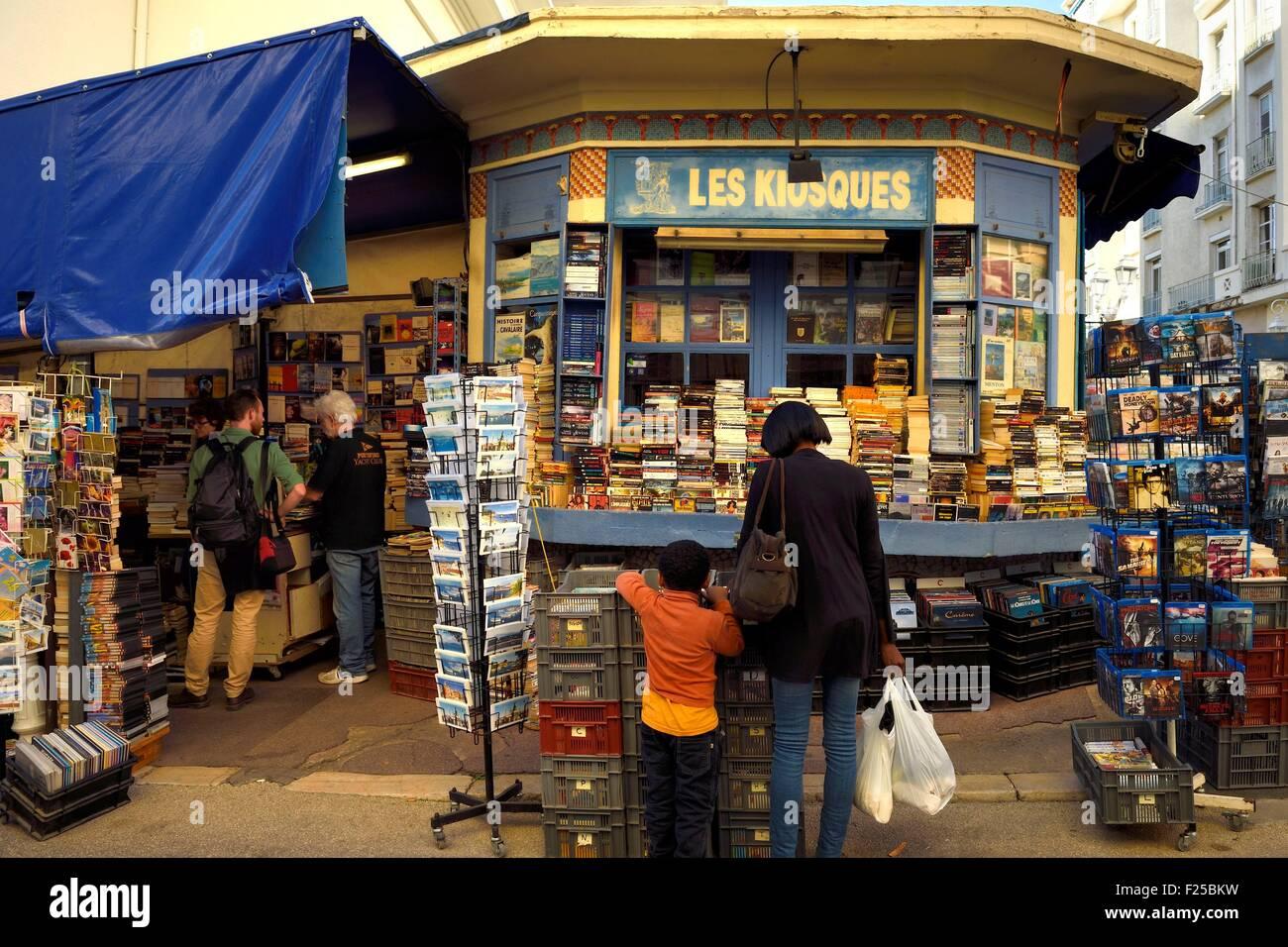 France, Var, Toulon, Les Kiosques, bookseller of the rue Prosper Ferrero - Stock Image