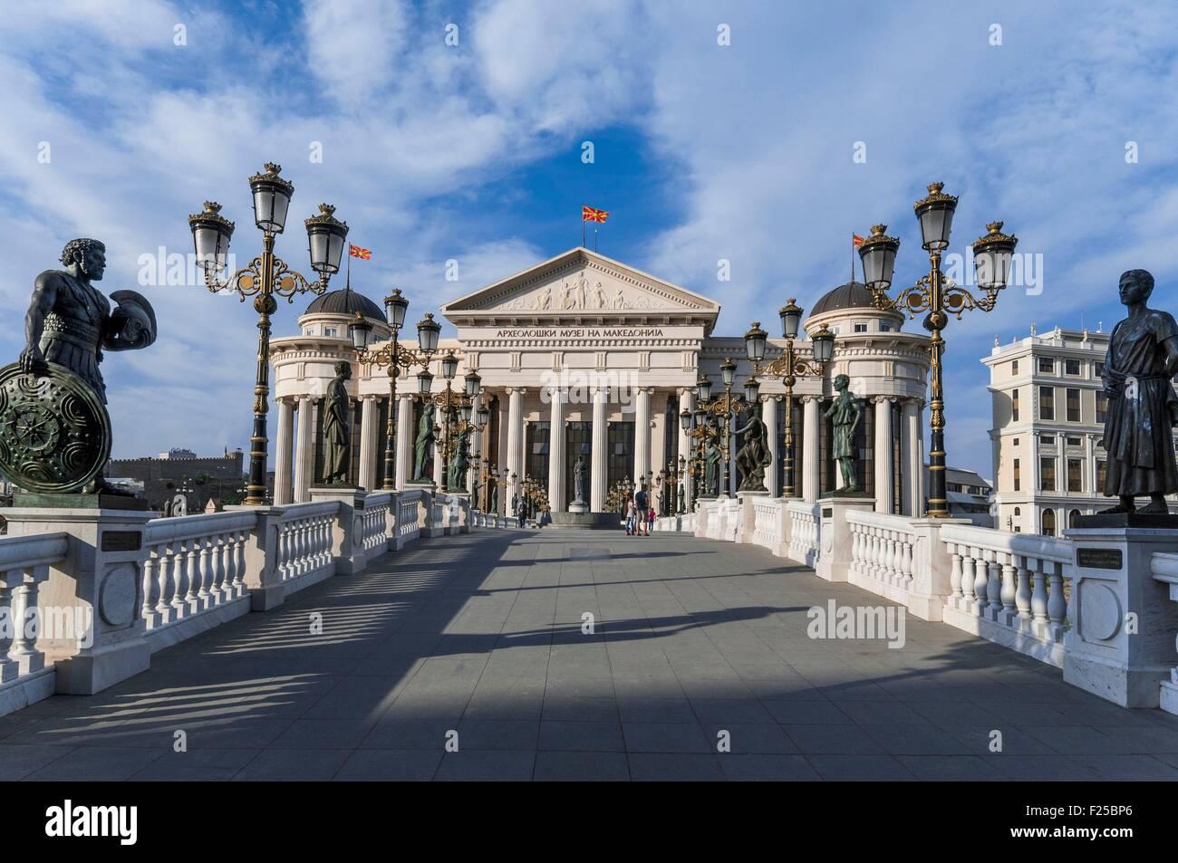 Macedonia, Skopje, downtown, new Civilisation Bridge and Macedonian Archeologilal Museum building - Stock Image