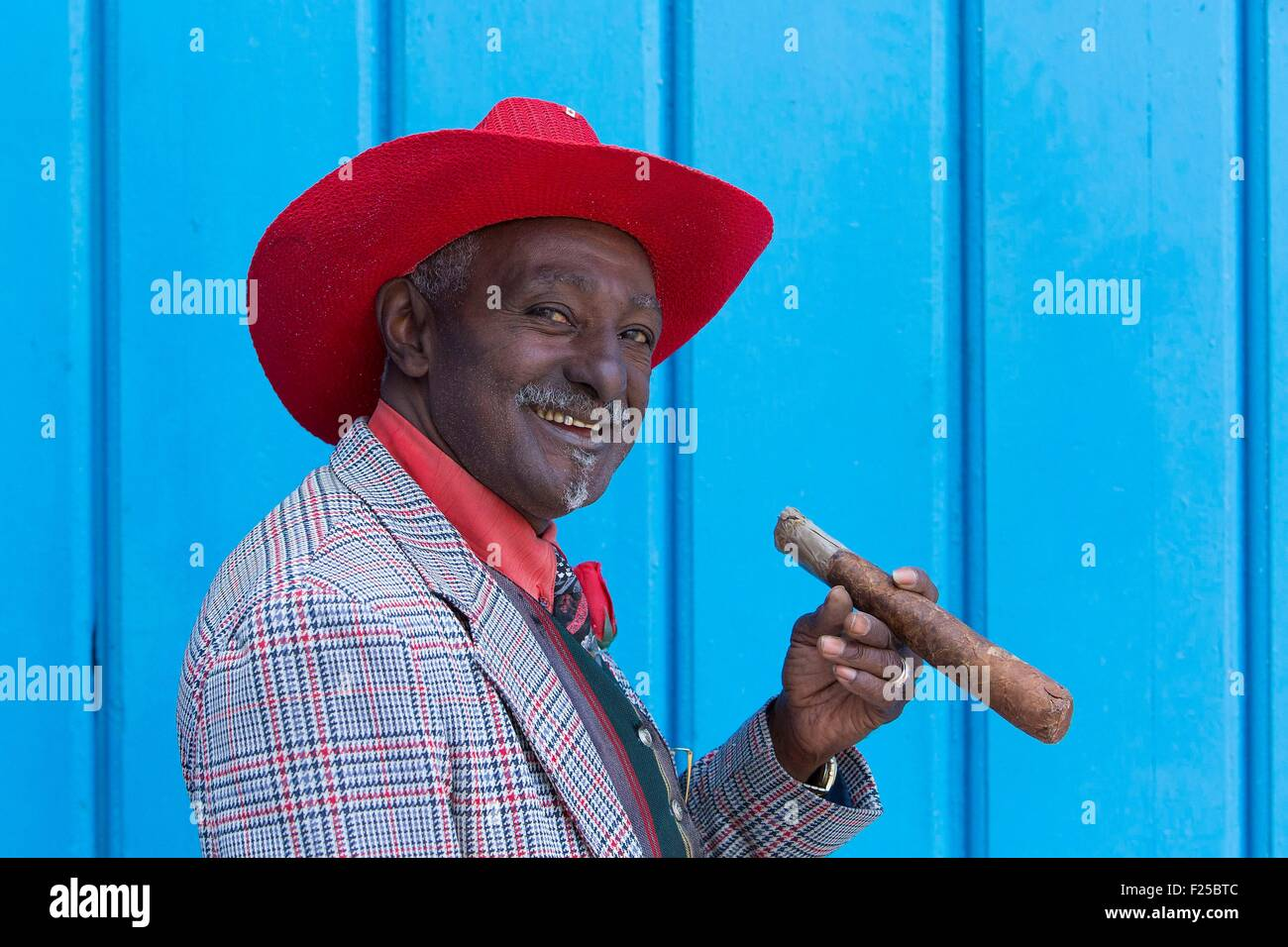 Cuba, Ciudad de la Habana province, Habana Vieja district listed as World Heritage by UNESCO, La Havana, man dressed - Stock Image