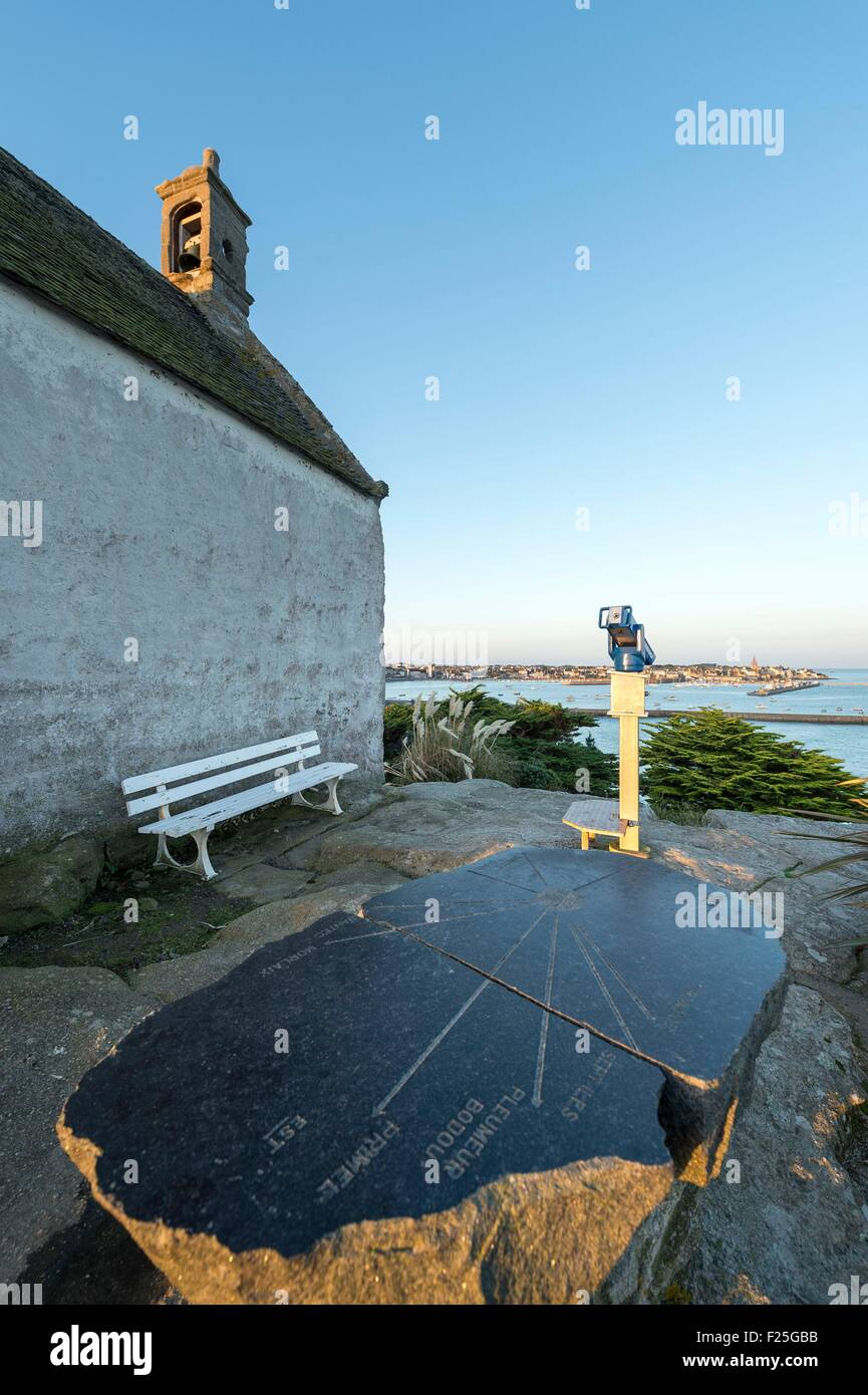 France, Finistere, Roscoff, viewpoint and chapel Sainte Barbe - Stock Image