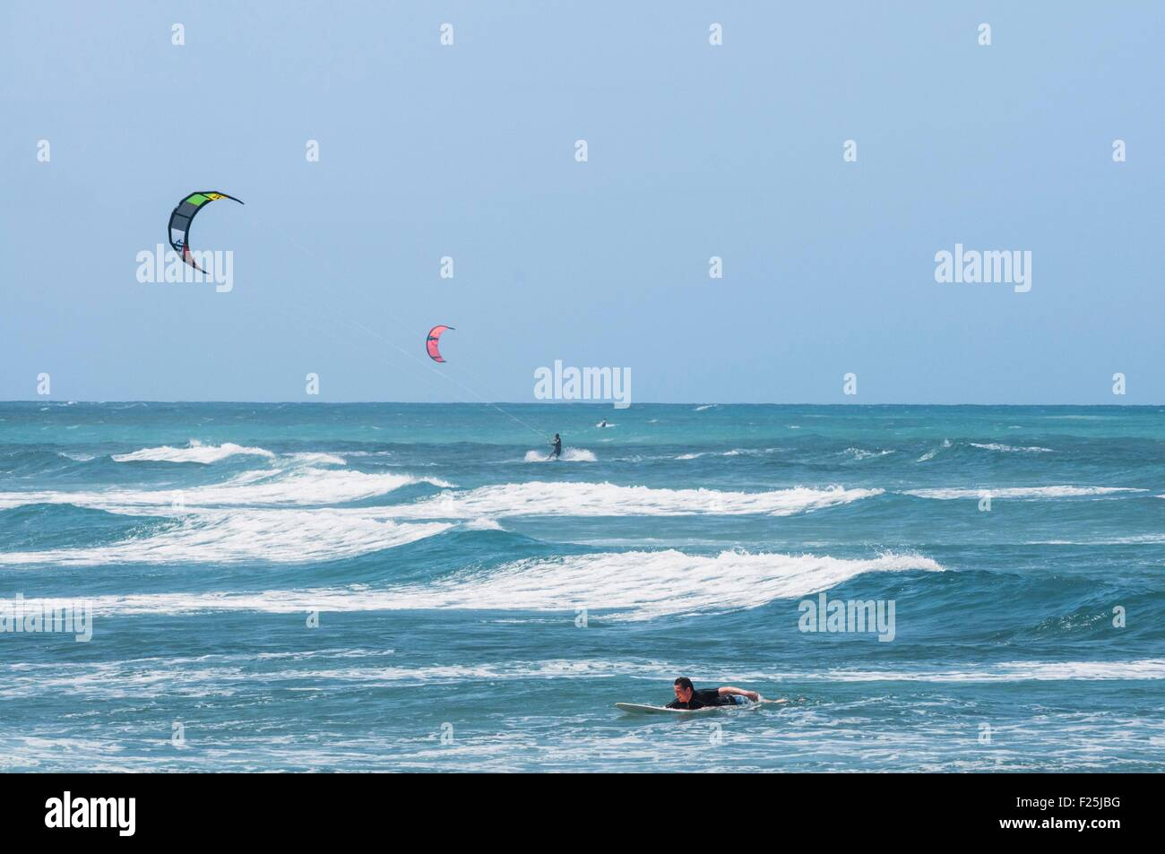 Barbados island, sur and kitsurf at Ananias Point, south coast, the Surfer's Point, Christ Church parish - Stock Image