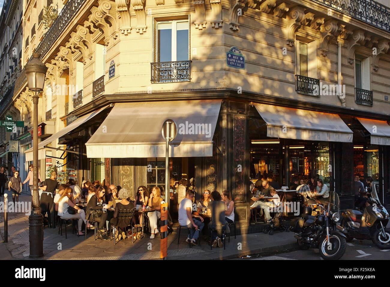 France, Paris, Cafe Terrace on the Ile St Louis - Stock Image