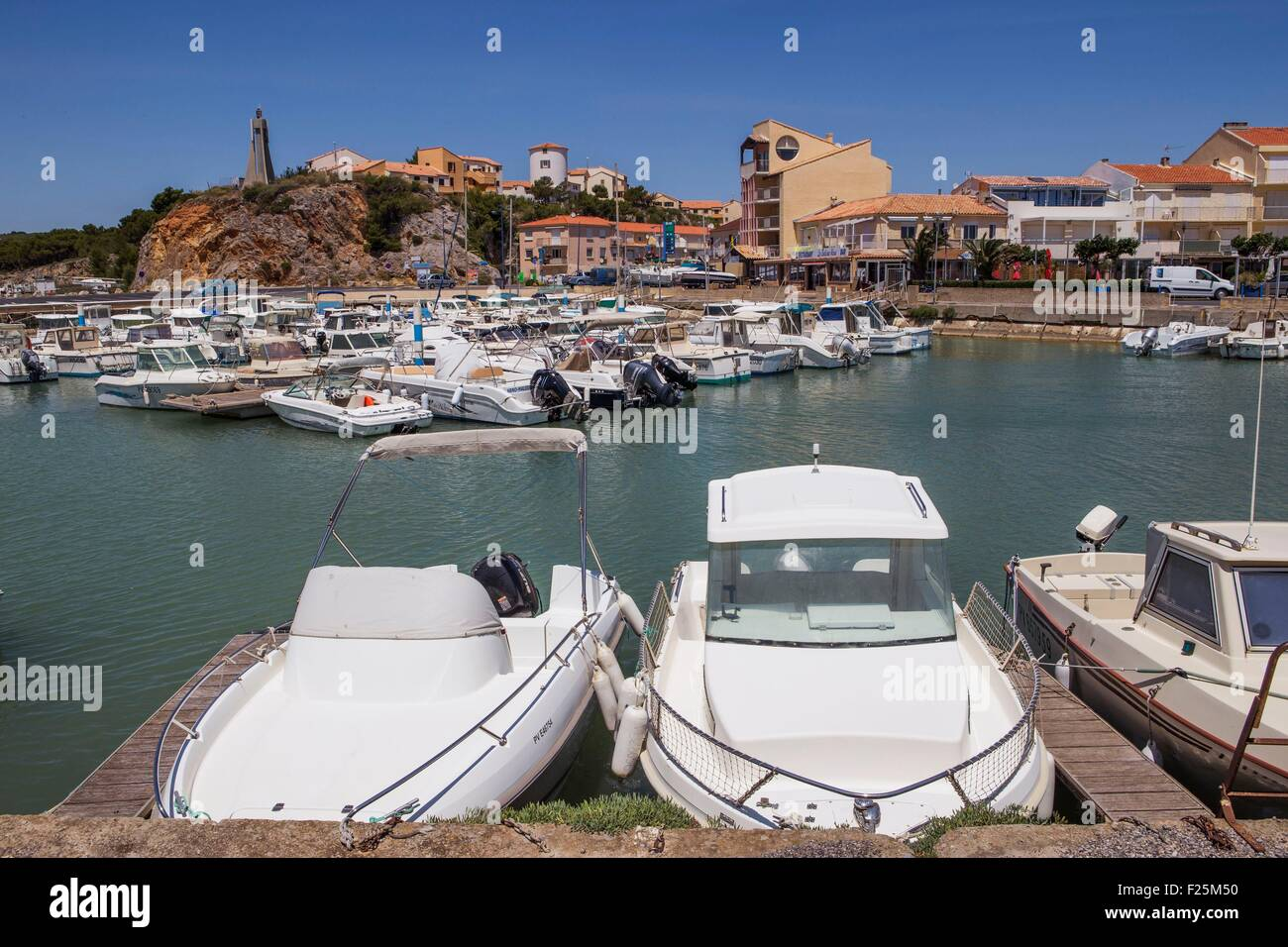 at narbonne plage stock photos at narbonne plage stock images alamy. Black Bedroom Furniture Sets. Home Design Ideas