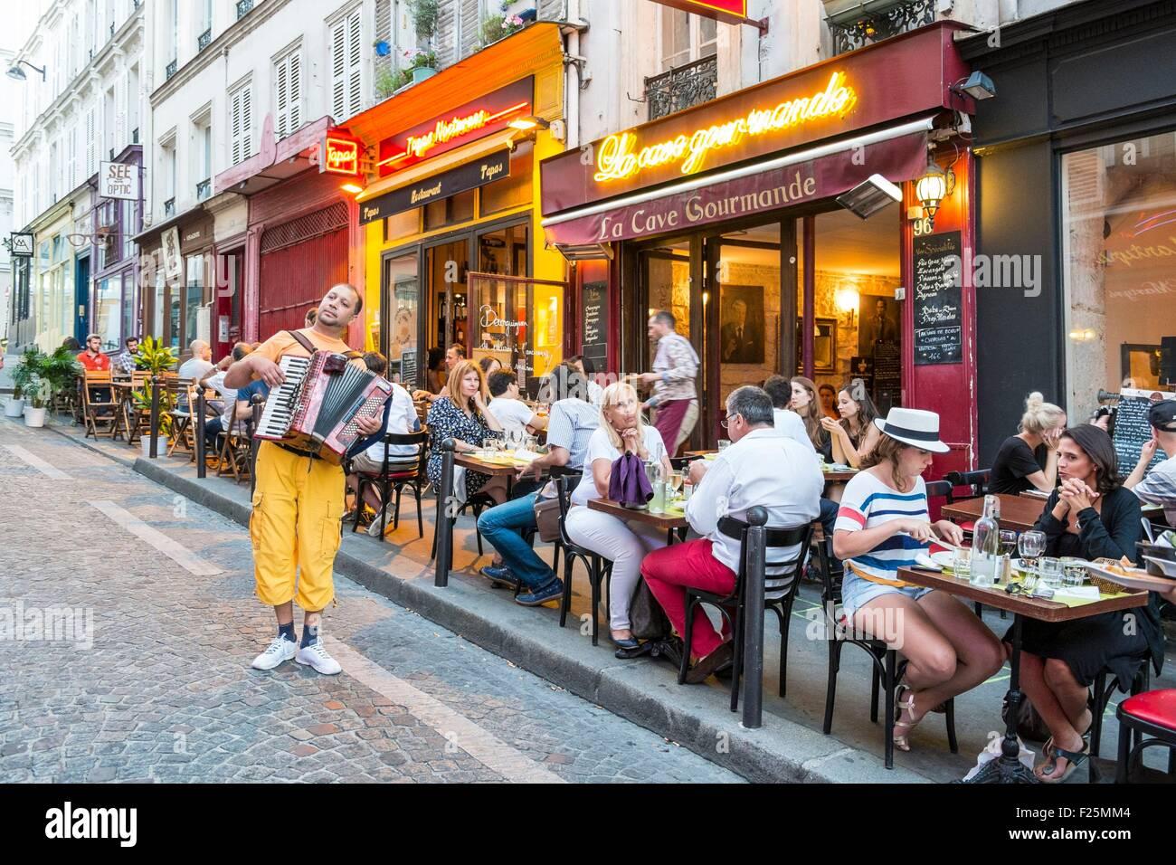 France, Paris, Montmartre, La Cave Gourmande restaurant - Stock Image