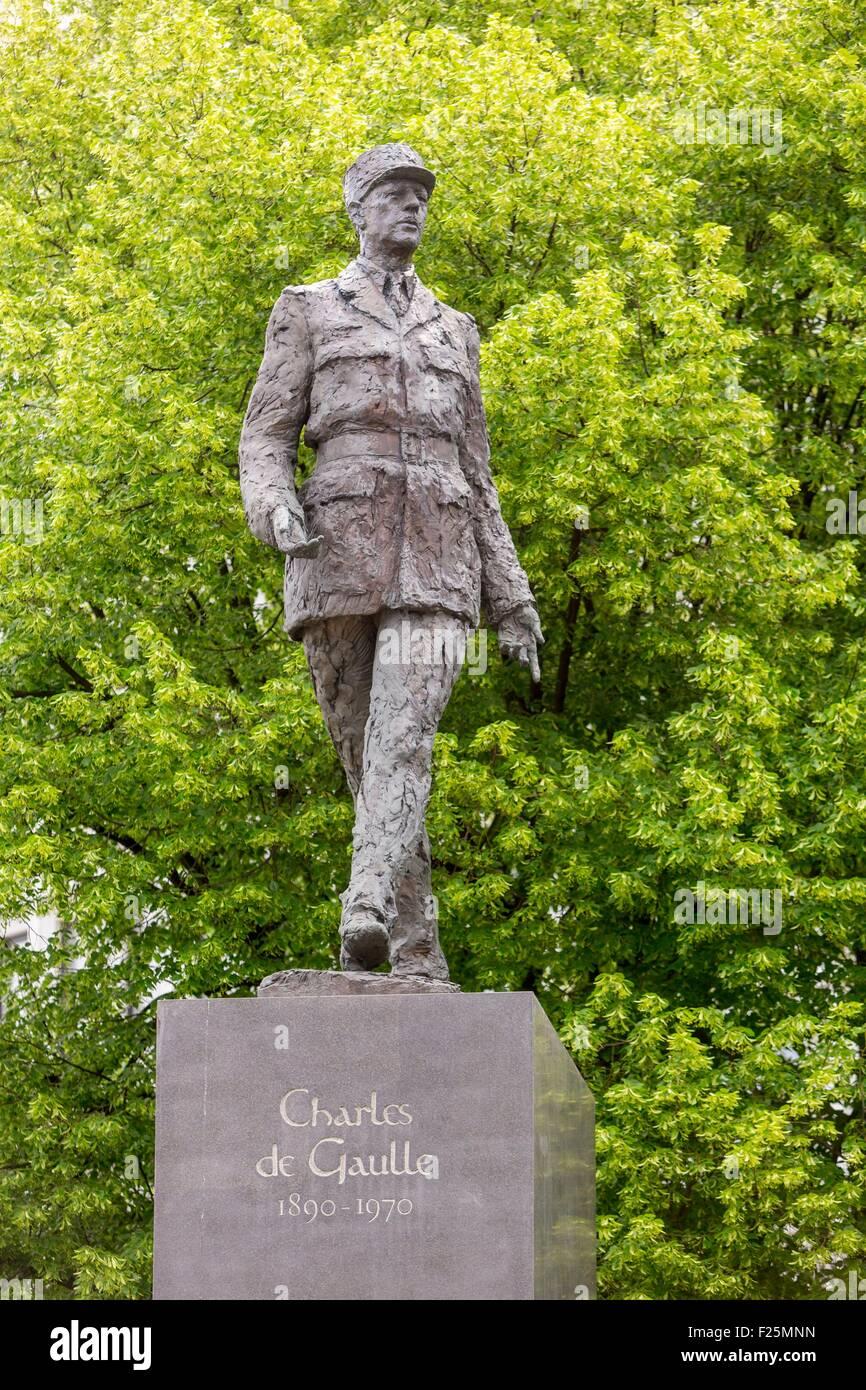 Poland, Mazovia region, Warsaw, roundabout de Gaulle, de Gaulle's statue - Stock Image