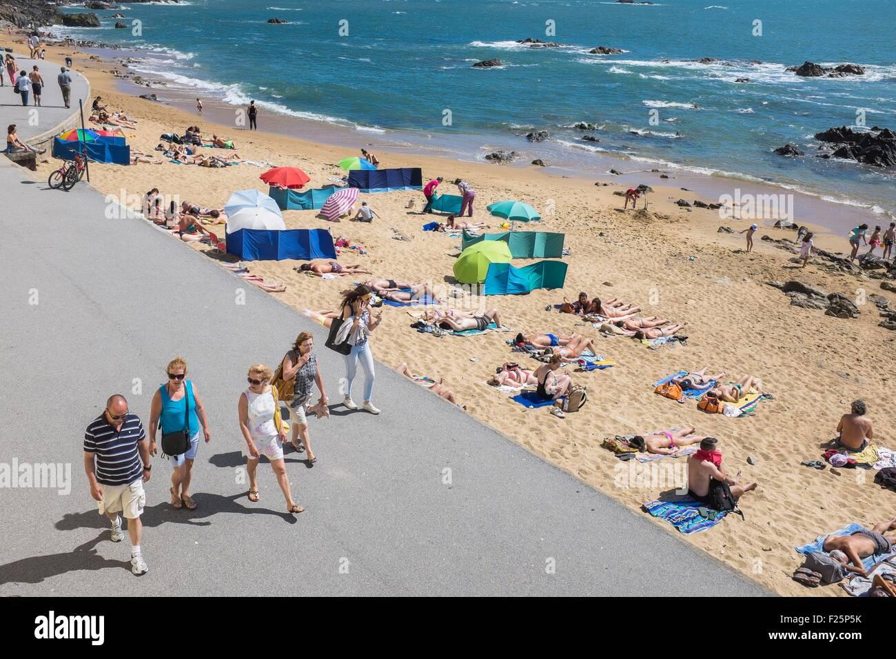 Portugal, North region, Porto, Foz do Douro seafront promenade - Stock Image