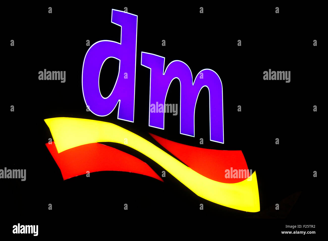 Markennamen: 'dm', Berlin. - Stock Image