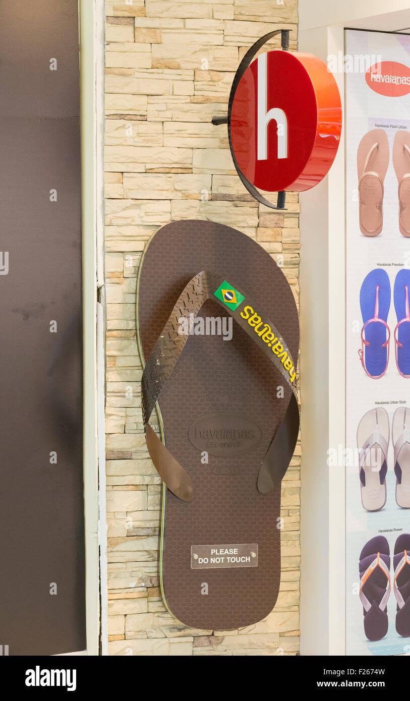 ff3090ebb351f0 Havaianas shop Stock Photo  87418489 - Alamy