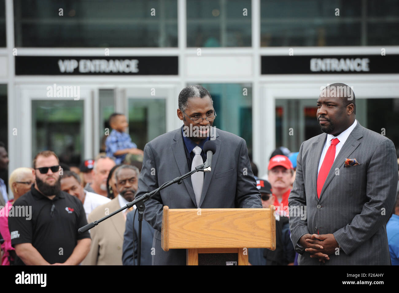 Philadelphia, Pennsylvania, USA. 12th Sep, 2015. MARVIS FRAZIER, son of the late Joe Frazier, receives a proclamation - Stock Image