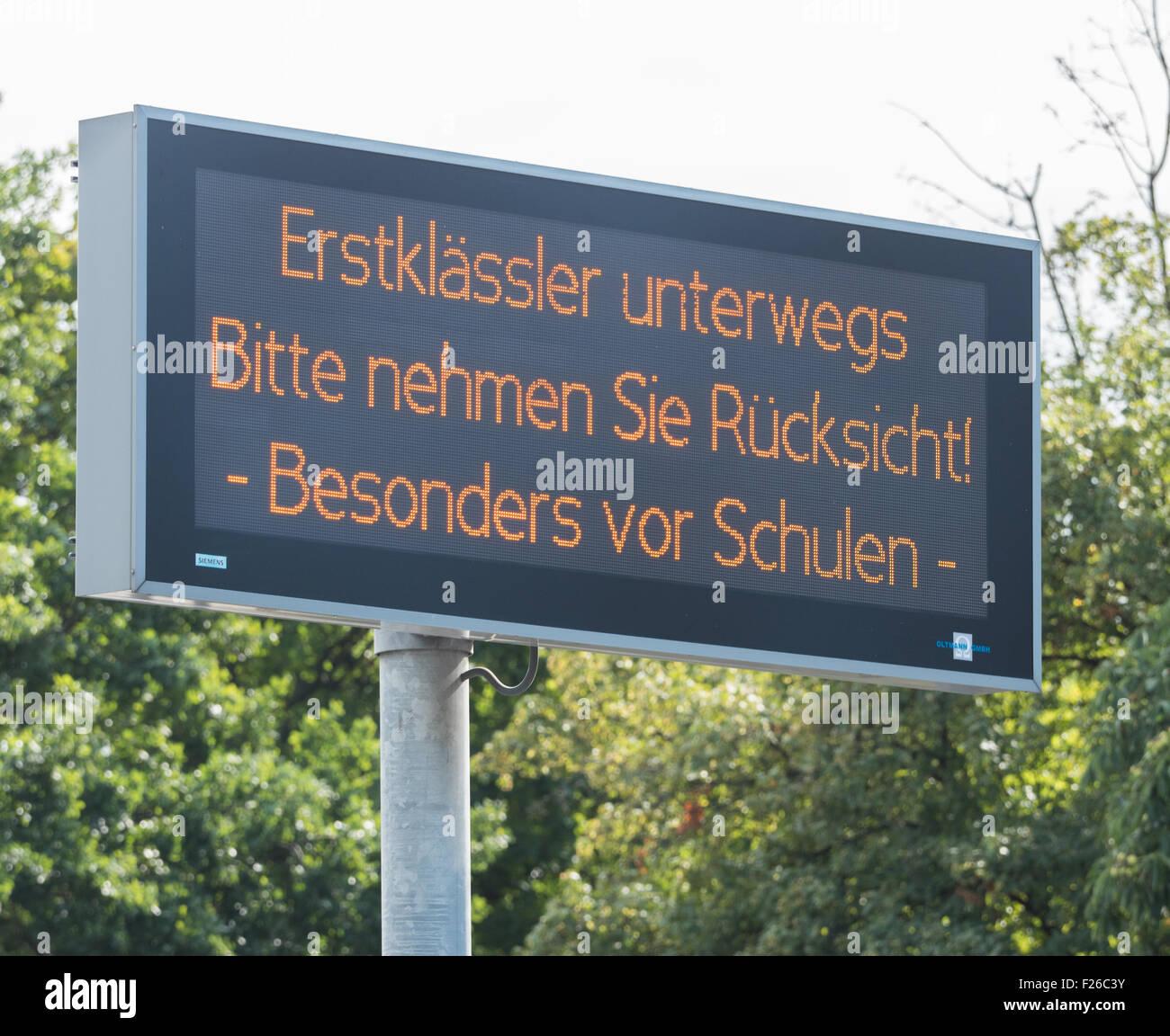 Verkehrshinweis Erstklässler - Stock Image