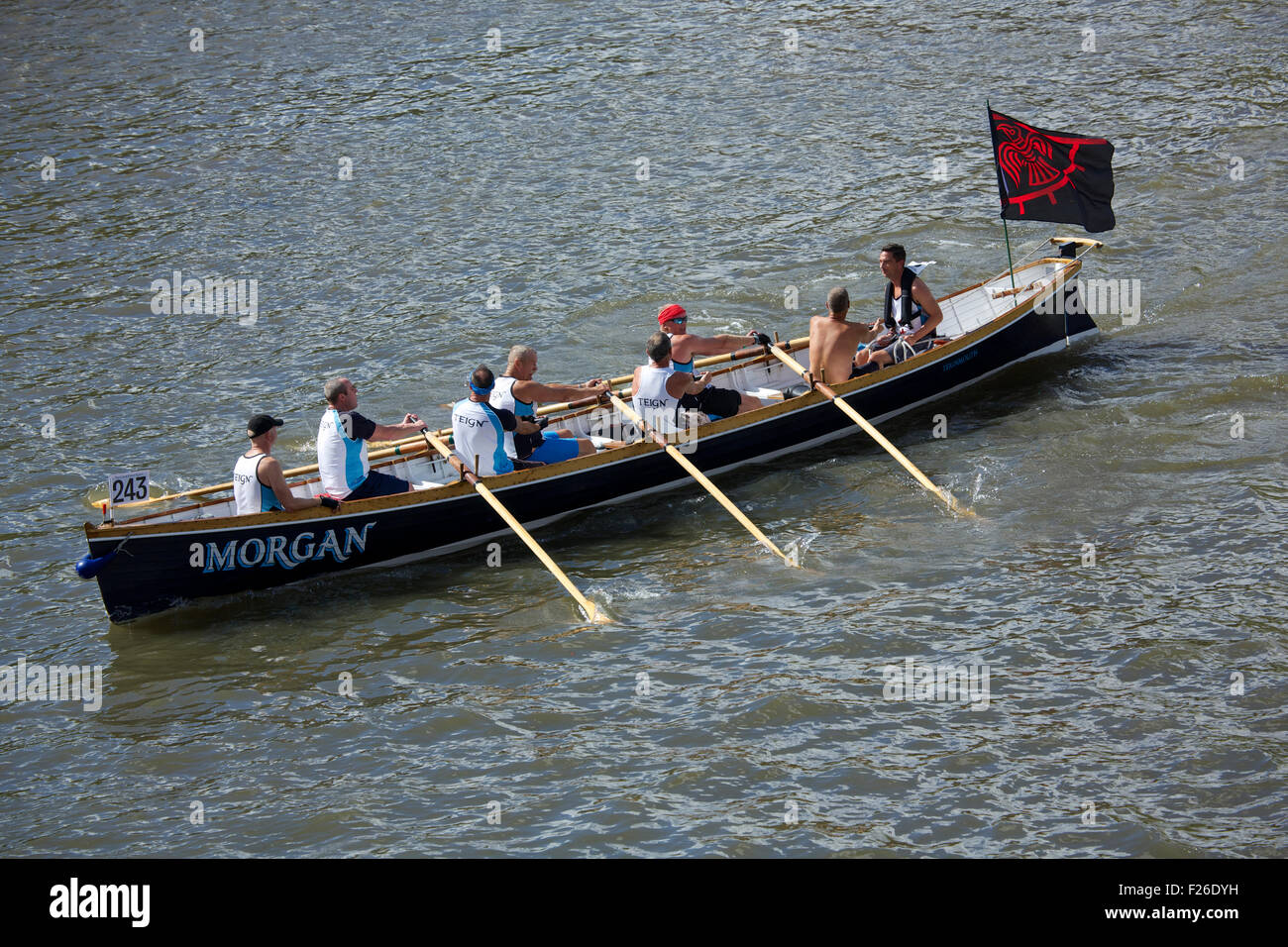 Richmond upon Thames, Surrey United Kingdom. 12 September 2015. Team 'Hobits Hombres' in a Cornish Pilot - Stock Image