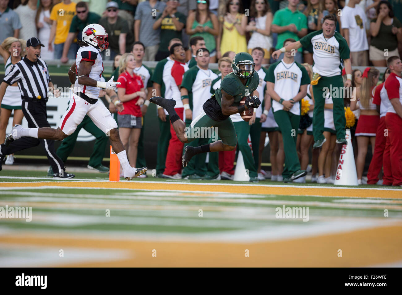 Waco, TX, USA. 12th Sep, 2015. Baylor Bears wide receiver Corey Coleman #1 completes reception for touchdownduring Stock Photo