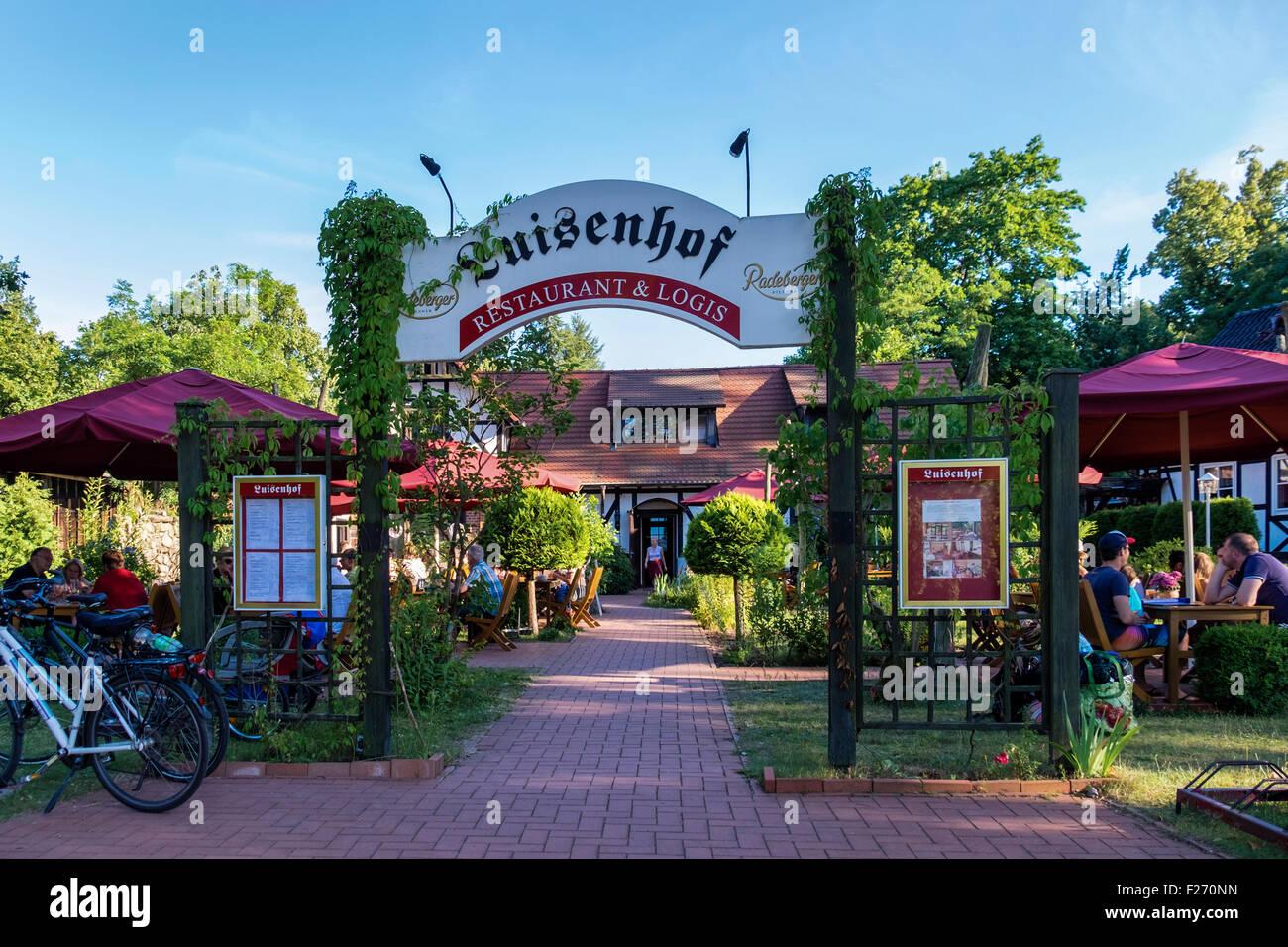 Luisenhof restaurant and beer garden with alfresco dining at Großer Stechlinsee, Lake Stechlin resort, Brandenburg, - Stock Image