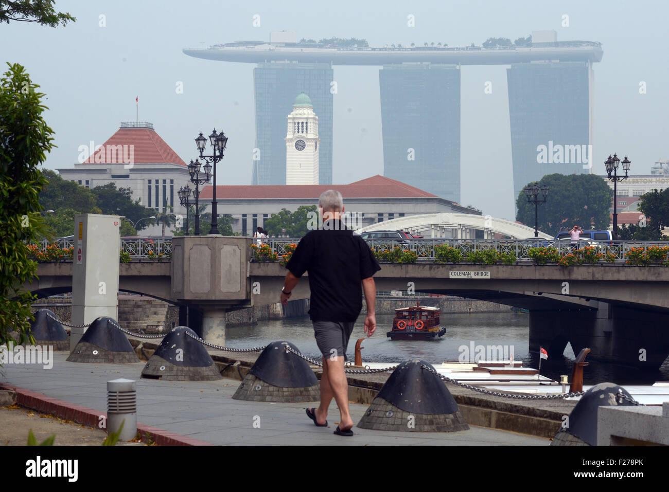 Singapore. 13th Sep, 2015. Haze looms over Singapore River, Sept. 13, 2015. Singapore's pollution index 3-hour - Stock Image