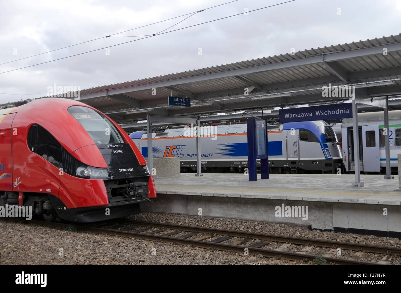 Intercity trains at a platform in Warsaw East Railway Station, Praga North, Polnoc, Warszawa, Polska, Poland, Europe, - Stock Image