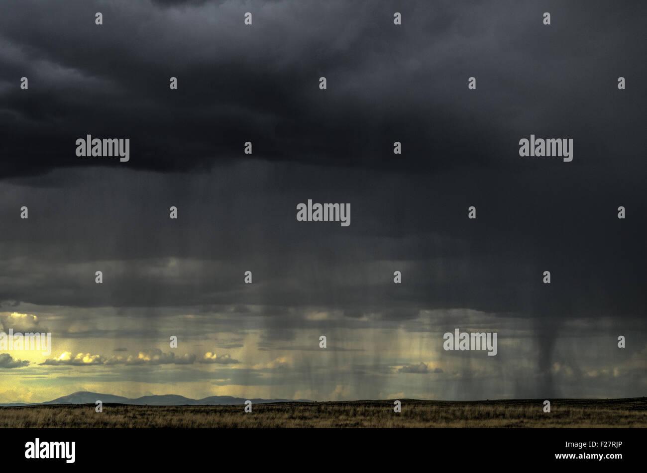Monsoon rainstorm west of Albuquerque, New Mexico, USA. - Stock Image