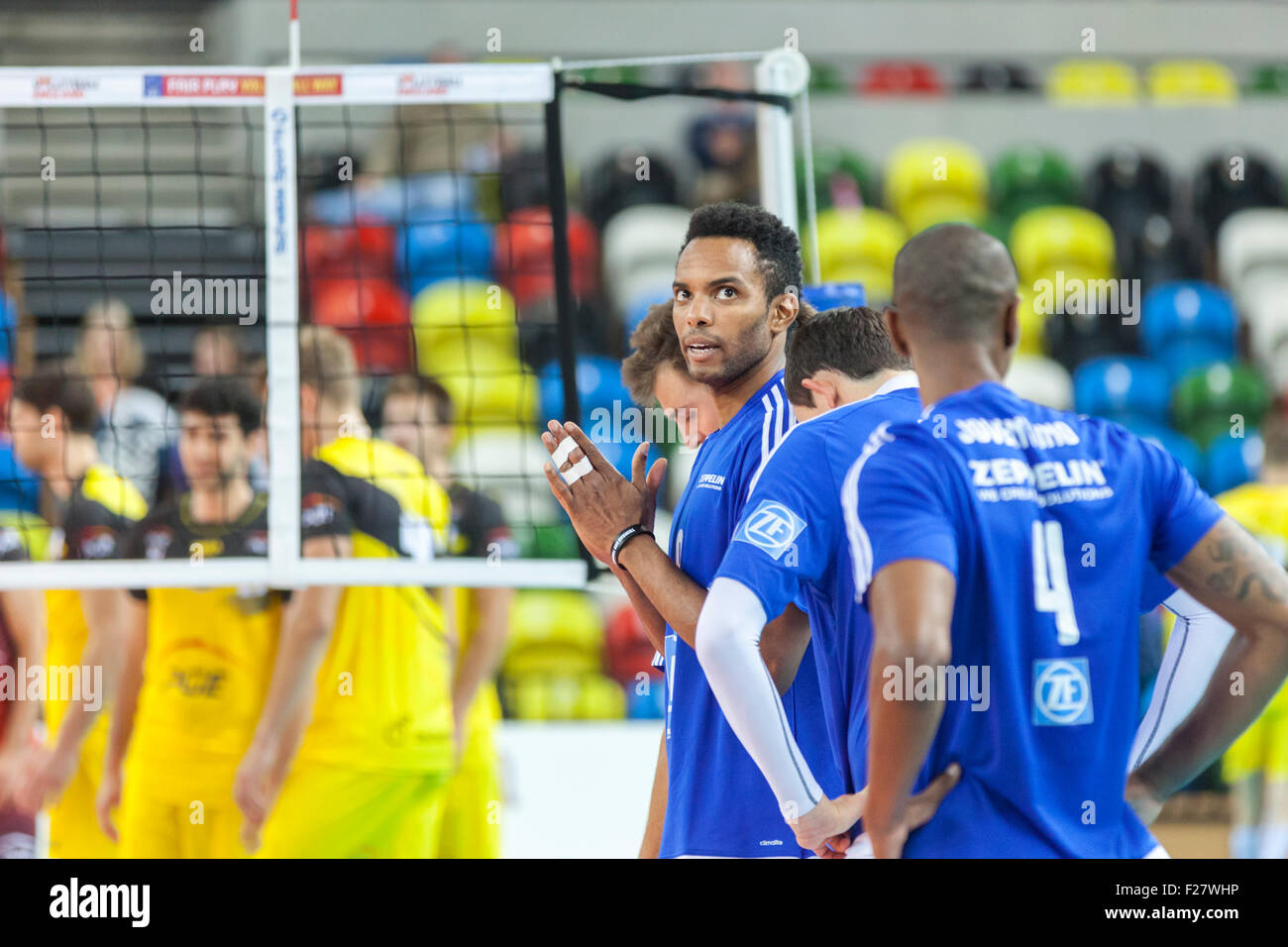 Copper Box Arena, London, UK. 13th Sep. 2015. VfB's players await a decision by the referee. VfB Friedrichshafen - Stock Image