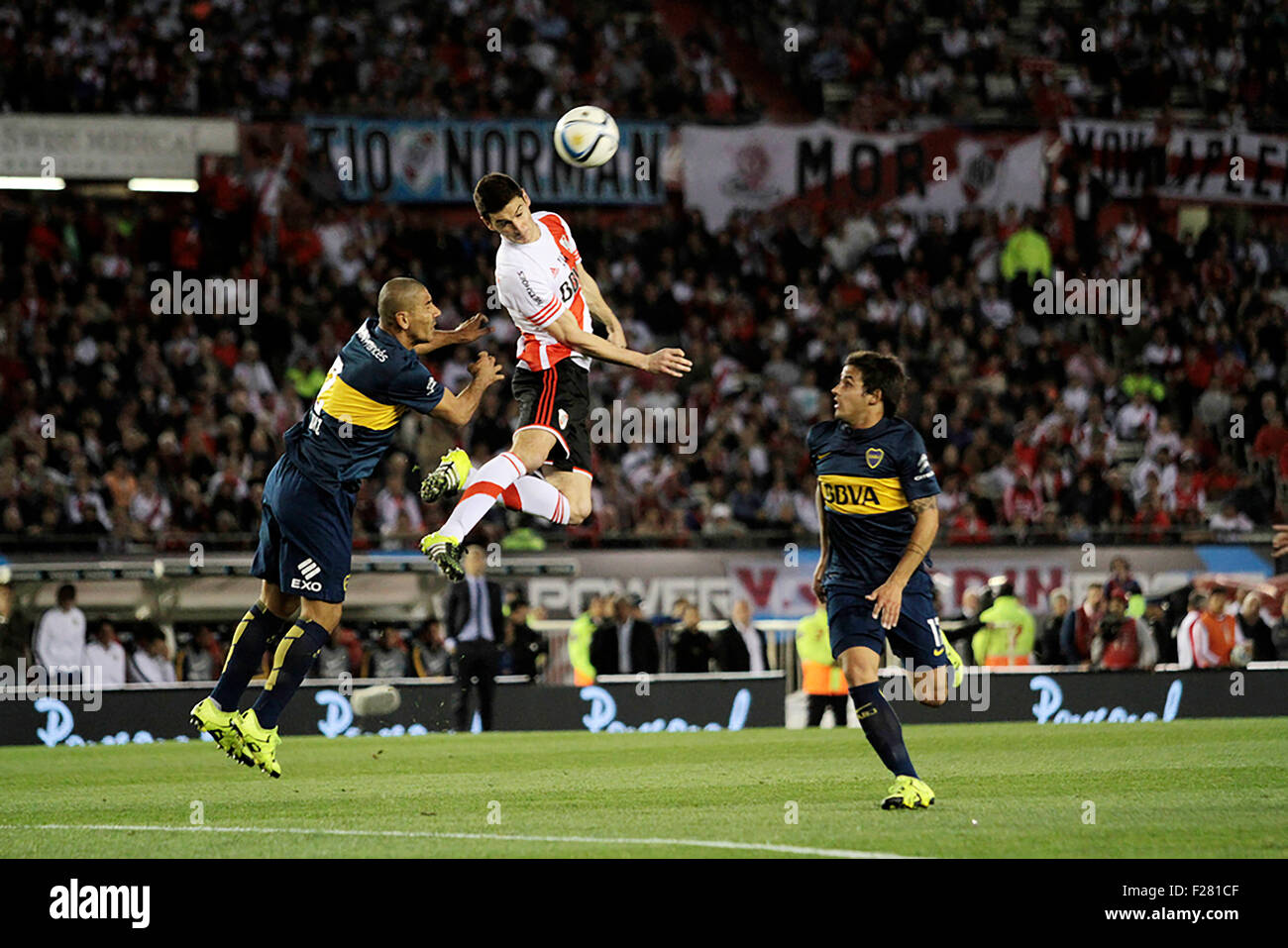 Buenos Aires, Argentina. 13th Sep, 2015. RIVER PLATE X BOCA JUNIORS - Alario of River Plate tries to hit the ball - Stock Image