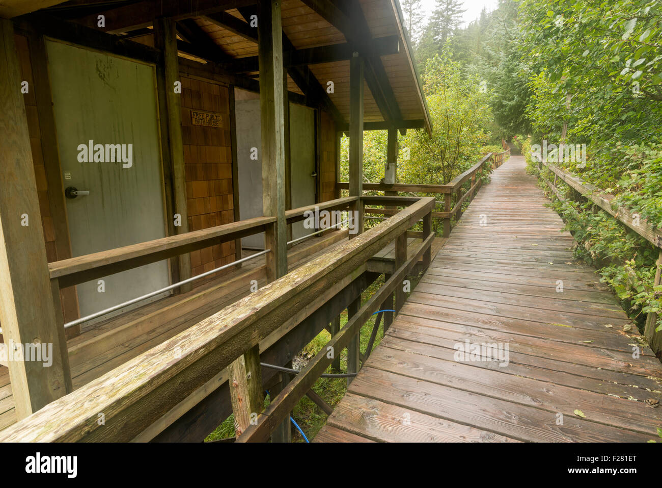 Bathhouse and boardwalk in the small community of Baranof Warm Springs, Alaska. - Stock Image