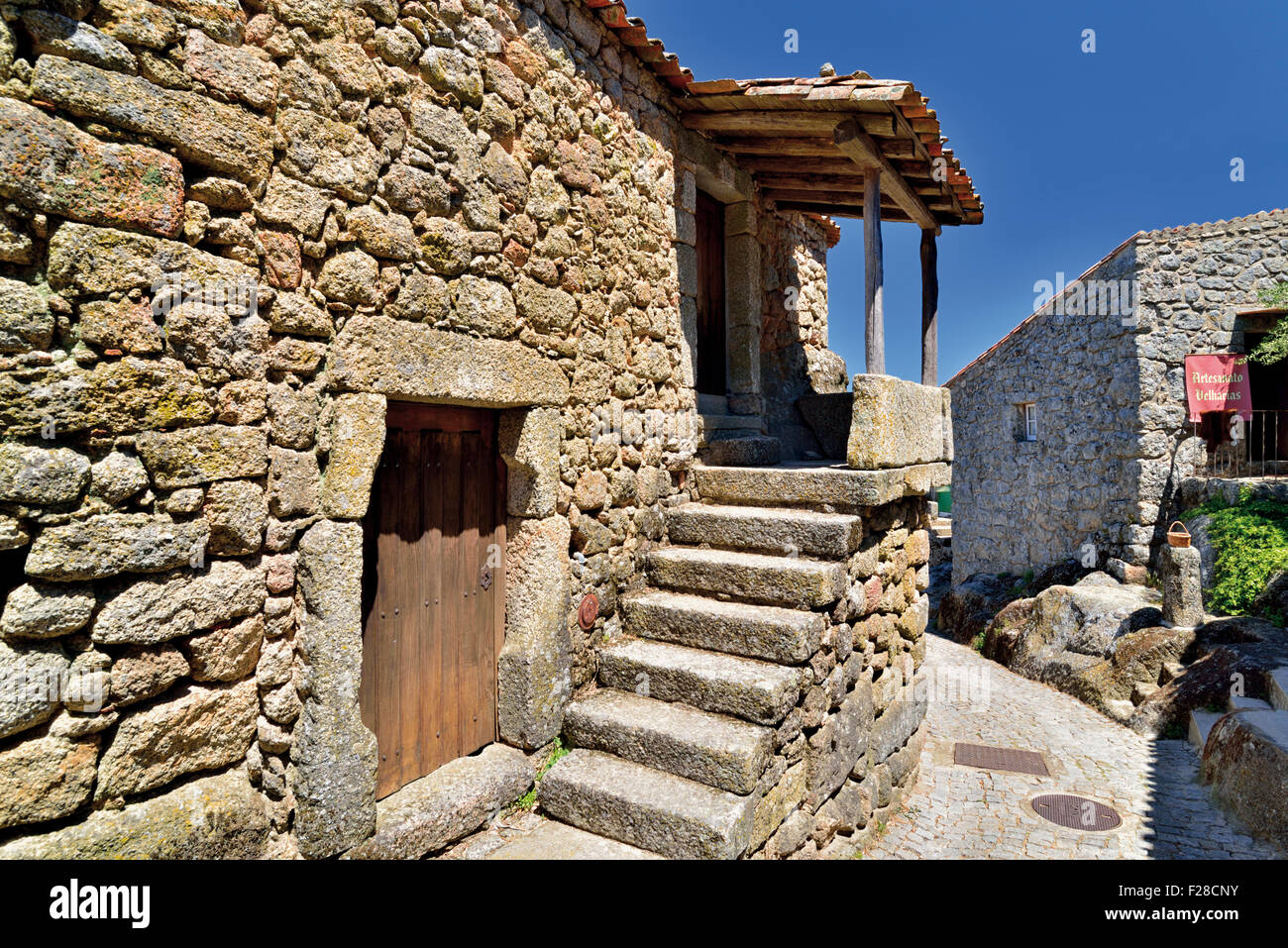 Portugal: Restored stone house in the historic village Monsanto - Stock Image